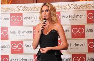 B-day Ana Hickmann   Revista de Luxo adc787083a