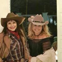 Rita Ballock festeja em estilo country